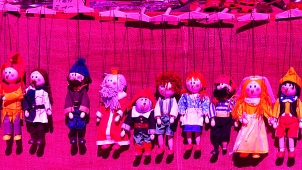marionettes_in_line Herzi Pinki - CC BY-SA LINC CNIL